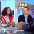 """Alicia Aylies, Miss France 2017, au côté de Michèle Bernier dans """"C L'hebdo"""", samedi 7 janvier 2017, sur France 5"""