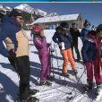 """Capucine Anav chute dans """"TPMP au ski"""", les images dévoilées dans """"TPMP"""", lundi 9 janvier 2017, sur C8"""