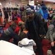 Valérie Benaïm, Jean-Michel Maire, Benjamin Castaldi, Capucine Anav en plein essayage de skis,  Montgenèvre,   17 décembre, sur Twitter