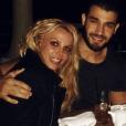 Britney Spears et son chéri Sam Asghari au restaurant. Photo publiée sur Instagram le 1er janvier 2017