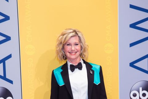 "Olivia Newton-John : La star de Grease se dit ""reconnaissante"" de son cancer"