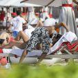 Exclusif - Bob Sinclar et sa femme Ingrid profitent d'une journée ensoleillée sur la plage du Nikki Beach à Saint-Barthélemy, le 9 janvier 2017.