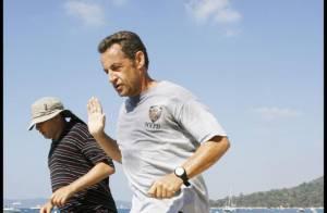 PHOTOS : Carla Bruni et Nicolas Sarkozy, des vacances oui, mais pas de tout repos...