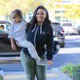 Rob Kardashian et sa fiancée Blac Chyna sont allés chez le dentiste à Calabasas. Blac Chyna porte son fils King Stevenson dans ses bras. Le 1er décembre 2016