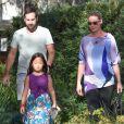 Katherine Heigl enceinte, accompagnée de son père Paul Heigl, de son mari Josh Kelley et de sa fille Adalaide, fête l'anniversaire de sa deuxième fille Nancy Kelley (8 ans) à Los Angeles, le 23 novembre 2016