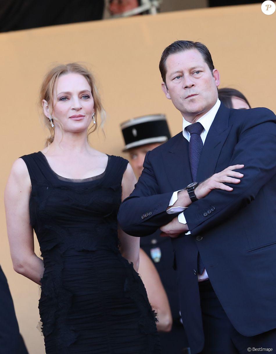 Uma Thurman et Arpad Busson au Festival de Cannes le 24 mai 2013 lors de la montée des marches du film The Immigrant.