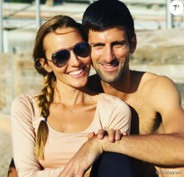 Novak Djokovic et sa femme Jelena, parents d'un petit Stefan né en octobre 2014, attendraient leur 2e enfant pour le mois d'août 2017 selon le tabloïd serbe Blic. Photo Instagram publiée pour les fêtes de fin d'année 2016.