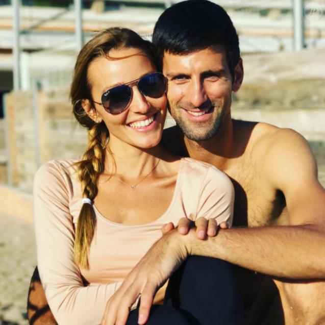 Novak Djokovic et sa femme Jelena, parents d'un petit Stefan né en octobre 2014, attendraient leur 2e enfant pour le mois d'août 2017 selon le tabloïd serbe  Blic . Photo Instagram publiée pour les fêtes de fin d'année 2016.