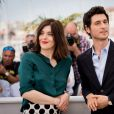 """Valérie Donzelli et Jérémie Elkaïm (montre Jaeger-LeCoultre) - Photocall du film """"Marguerite & Julien"""" lors du 68ème festival international du film de Cannes. Le 19 mai 2015."""