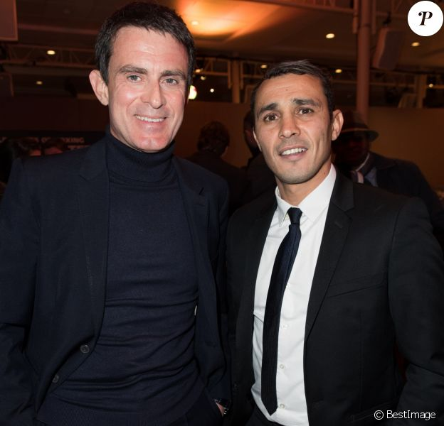 Semi-exclusif - Manuel Valls et Brahim Asloum - Cocktail de la soirée des World Series of Boxing France vs Angleterre à la salle Wagram à Paris le 23 février 2017. © Cyril Moreau/Bestimage