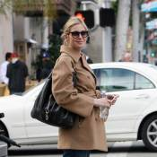 Malgré son divorce, Kelly Rutherford, enceinte... garde le sourire, regardez !