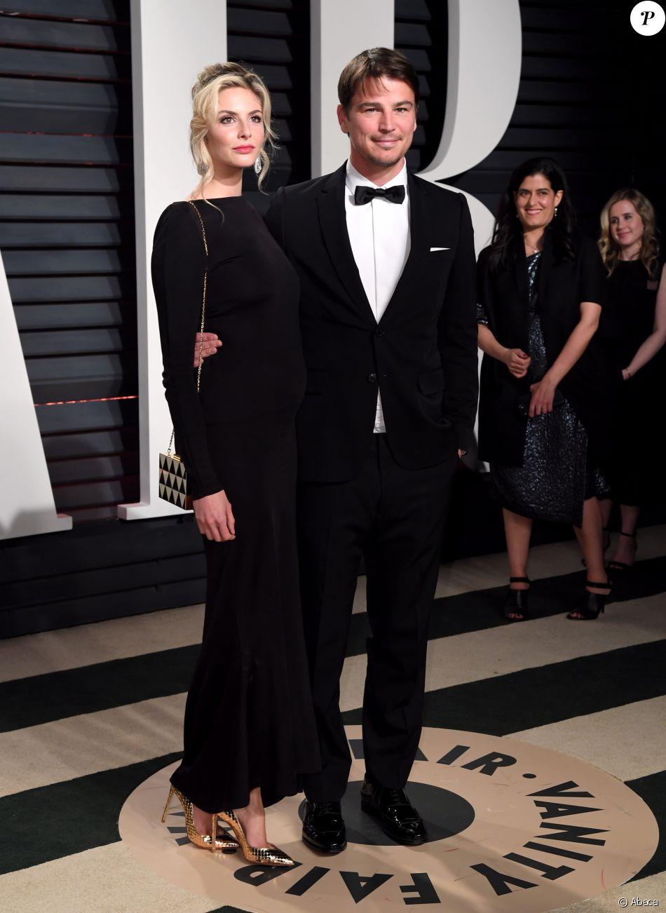"""Josh Hartnett et Tamsin Egerton lors de leur arrivée à l'after party des Oscars organisée par le magazine """"Vanity Fair"""" le 26 février 2017 à Los Angeles"""