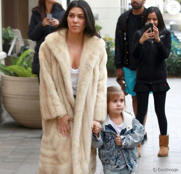 Exclusif - Kourtney Kardashian et sa fille Penelope à Topanga. Le 27 février 2017