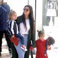 Kourtney Kardashian et ses enfants Reign et Penelope à Los Angeles, le jour de la Saint-Valentin. Le 14 février 2017