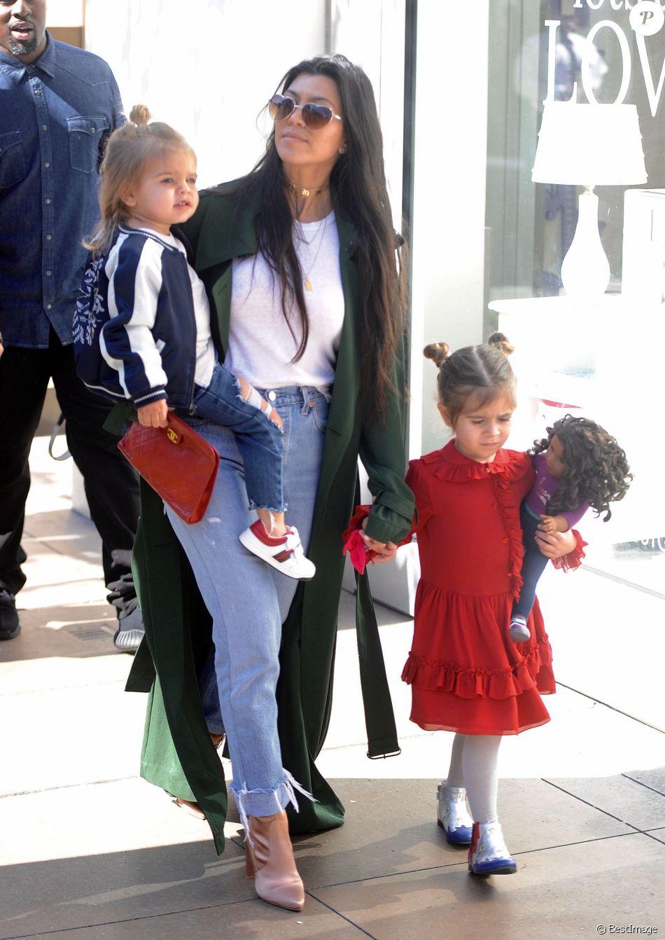 Kourtney kardashian et ses enfants reign et penelope los angeles le jour de la saint valentin - Epouse de laurent bignolas ...