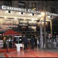 Cinéma Gaumont Marignan sur les Champs-Elysées où se déroulaient l'avant-première des  Insurgés  avec Daniel Craig