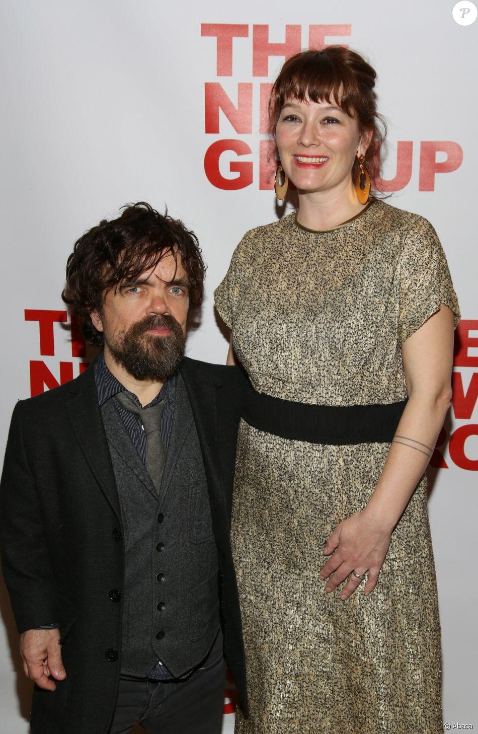 Peter Dinklage et sa femme Erica Schmidt enceinte à la soirée de lancement de la pièce de thétâtre All The Fine Boys à New York le 1er mars 2017