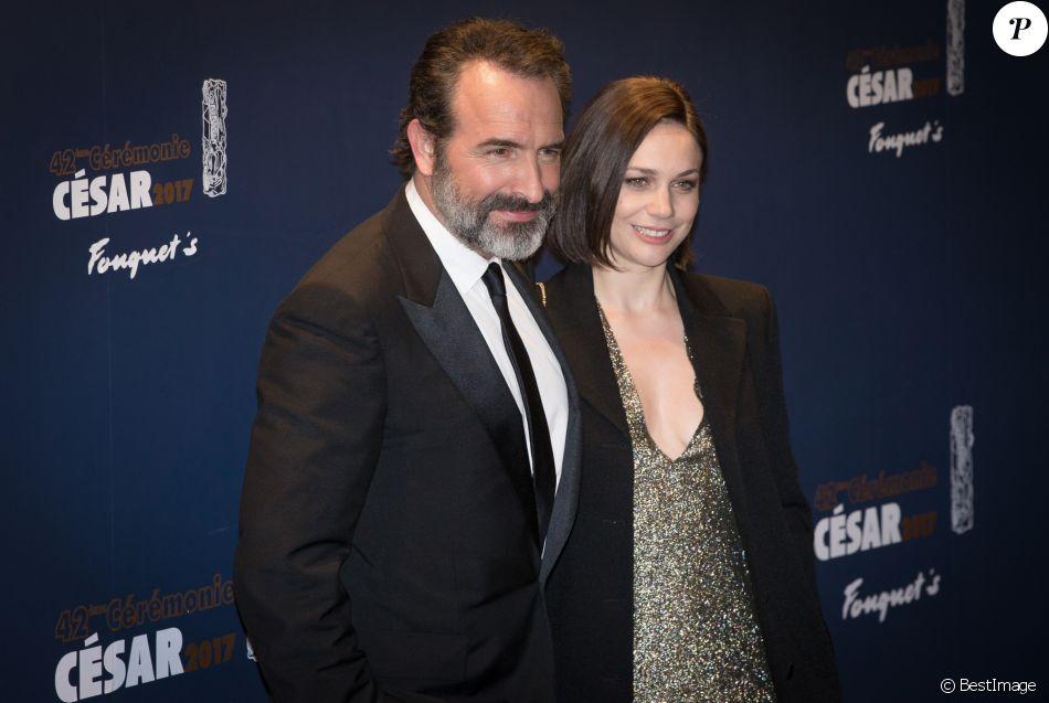 Jean dujardin et sa compagne nathalie p chalat photocall du d ner de la 42 - Maison de jean dujardin ...