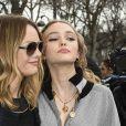 Vanessa Paradis et sa fille Lily-Rose Depp - Défilé Chanel, collection prêt-à-porter automne-hiver 2017-18 au Grand Palais. Paris, le 7 mars 2017. © Pierre Perusseau / Bestimage