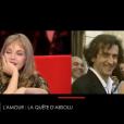 """Arielle Dombasle émue en revoyant des images de son mariage avec BHL. """"Le Divan"""" sur France 3, le 7 mars 2017."""