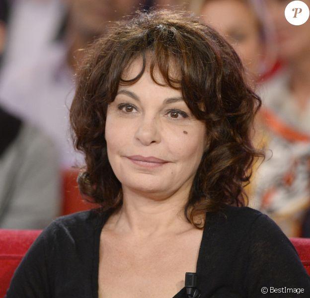 """Isabelle Mergault - Enregistrement de l'émission """"Vivement Dimanche"""" à Paris le 16 Septembre 2015"""