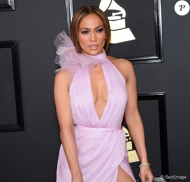 Jennifer Lopez à la cérémonie des Grammy Awards au Staples Center à Los Angeles le 12 Février 2017.