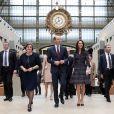Laurence des Cars, présidente du musée d'Orsay -Le prince William et Kate Middleton visitent la galerie des impressionnistes au musée d'Orsay à Paris le 18 mars 2017.
