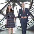 Le prince William et Kate Middleton visitent la galerie des impressionnistes au musée d'Orsay à Paris le 18 mars 2017.