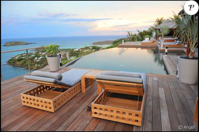 la maison de vacances de johnny et laeticia hallyday saint barth l my. Black Bedroom Furniture Sets. Home Design Ideas