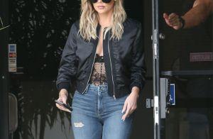 Kylie Jenner porte une bague de fiançailles XXL à lannulaire gauche ...