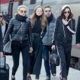 Yolanda Hadid et ses filles Gigi et Bella Hadid à Gare du Nord. Paris, le 1er décembre 2016.