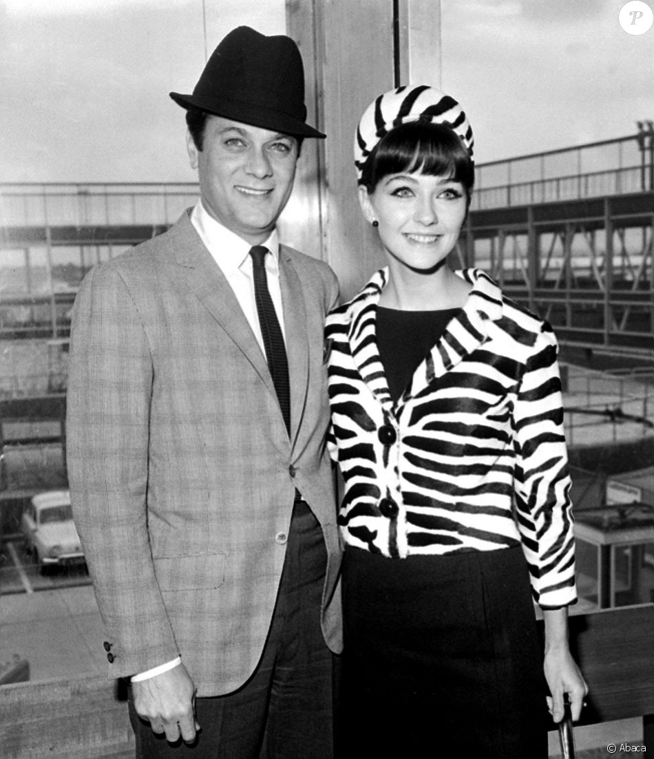 Christine Kaufmann et son mari d'alors Tony Curtis à Londres, le 16 juin 1963.