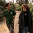 Jane Birkin avec le vétérinaire Norin Chai au Jardin des Plantes à Paris, séquence diffusée dans l'émission Thé ou Café du 1er avril 2017 sur France 2.