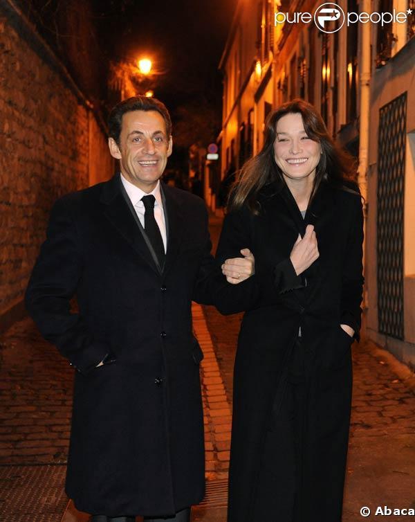 Nicolas Sarkozy et son épouse Carla Bruni, font une promenade romantique. 14/01/09
