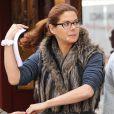 """Exclusif - Debra Messing sur le tournage de """"The Mysteries Of Laura"""" à New York, le 20 octobre 2014"""