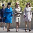 Autumn Phillips et la princesse Beatrice d'York et sa soeur la princesse Eugénie d'York - La famille royale britannique assiste à la messe de Pâques à la chapelle Saint-Georges de Windsor, le 16 avril 2017
