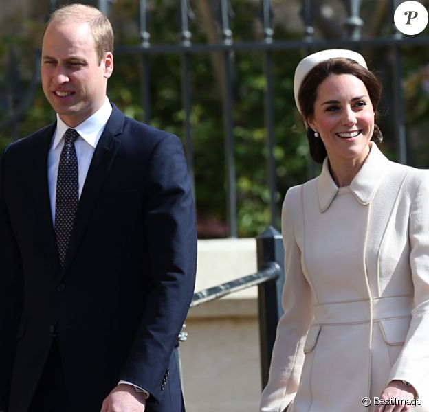Catherine Kate Middleton, la duchesse de Cambridge et son mari le prince William, duc de Cambridge - La famille royale britannique assiste à la messe de Pâques à la chapelle Saint-Georges de Windsor, le 16 avril 2017