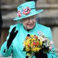 La reine d'Angleterre Elizabeth II assiste à la messe de Pâques à la chapelle Saint-Georges de Windsor, le 16 avril 2017
