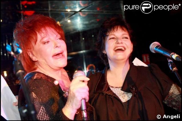 Régine et son amie Maurane lors de la promo de l'album  Regine's Duets  chez... Regine's !