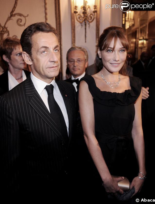 Nicolas et Carla Sarkozy étaient les invités surprises du concert de Julien Clerc