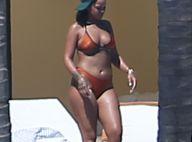 Rihanna se dévoile tout en formes et en rondeurs dans un joli bikini