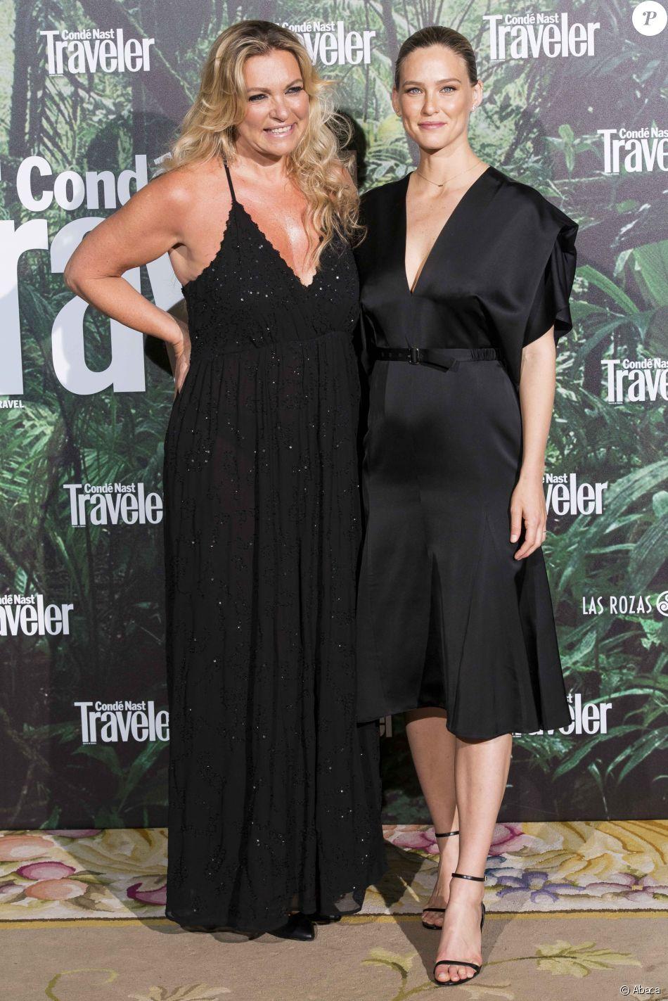 Bar Refaeli, enceinte, et sa mère Tzipi assistent à la première édition des Condé Nast Traveler Awards (cérémonie organisée par l'édition espagnole du magazine CN Traveler) à l'hôtel Ritz. Madrid, le 4 mai 2017.