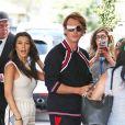 """Kris Jenner, ses filles Kourtney, Kim et Khloé, et Jonathan Cheban déjeunent au restaurant Casa Vega pour célébrer """"Cinco de Mayo"""" à Studio City. Le 5 mai 2017."""