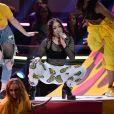 Noah Cyrus sur la scène des MTV Movie & TV Awards au Shrine Auditorium de Los Angeles, le 7 mai 2017