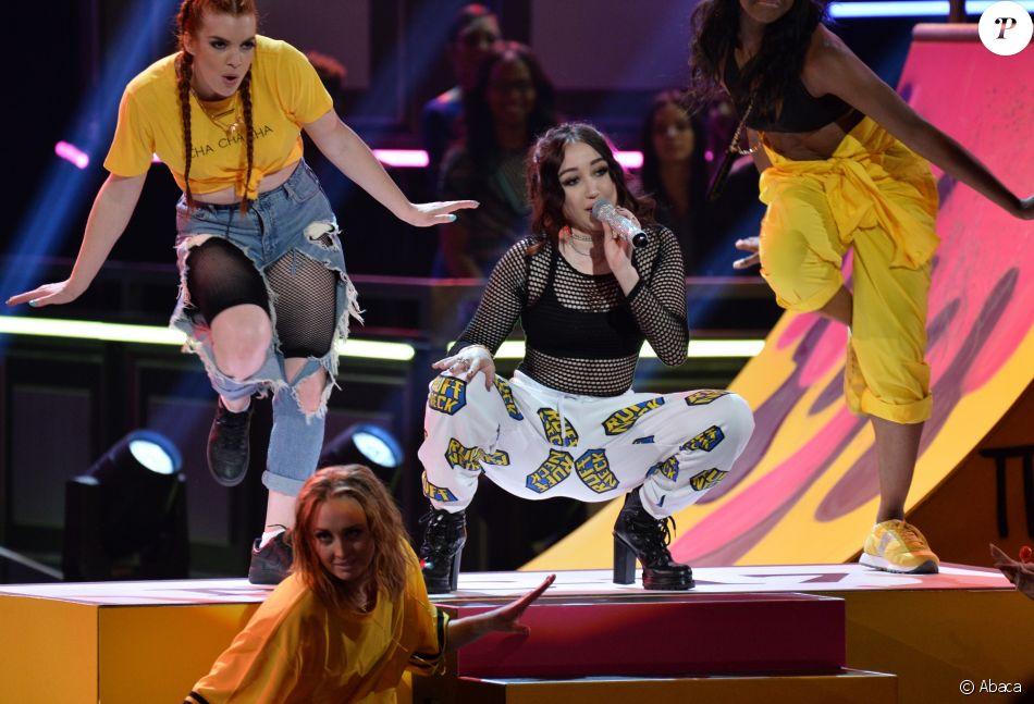 Nouveau look pour un nouvel album : la métamorphose impressionnante de Miley Cyrus