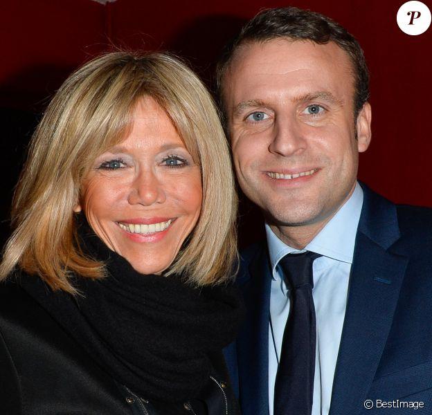 """Exclusif - Emmanuel Macron et sa femme Brigitte (Brigitte Trogneux) - Représentation de la pièce """"Pleins Feux"""" au théâtre Hébertot à Paris le 2 février 2017. © Coadic Guirec/Bestimage"""