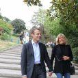 Emmanuel Macron et sa femme Brigitte Trogneux quittent la Maison de la Radio et vont déjeuner à Montmartre le 4 septembre 2016.