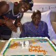 Paul Pogba au chevet de son père pour lui souhaiter son 79e anniversaire. Mars 2017.