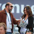 Kad Merad et sa compagne Julia Vignali assistent au match de football Bordeaux/ Marseille au stade de Bordeaux le 14 Mai 2107. © Patrick Bernard-Quentin Salinier/ Bestimage