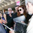 Julianne Moore arrive à l'aéroport de Nice-Côte d'Azur pour assister au 70e Festival International du Film de Cannes, à Nice, France, le 16 mai 2017.